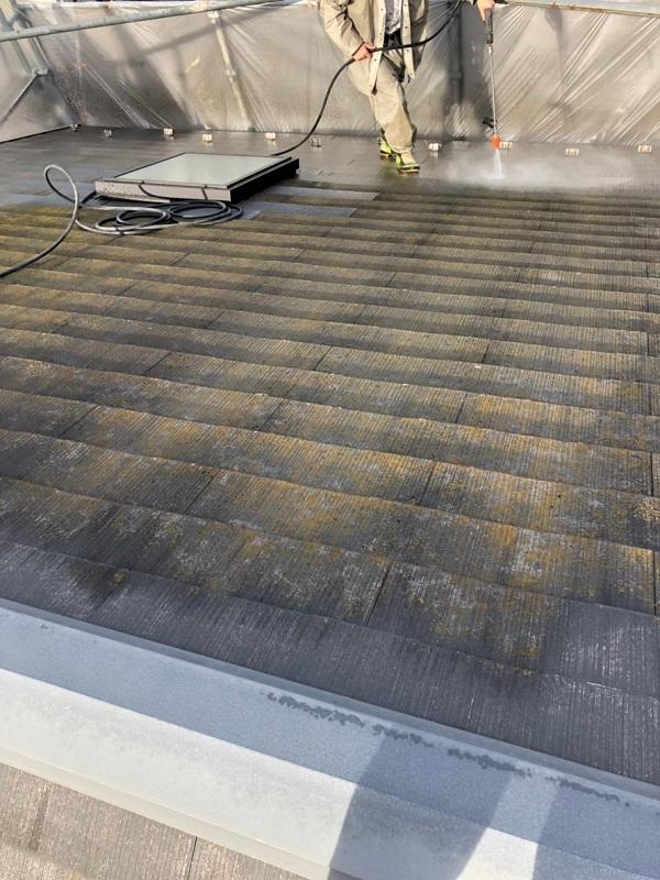 神奈川県逗子市 屋根塗装 雨漏り 高圧洗浄作業