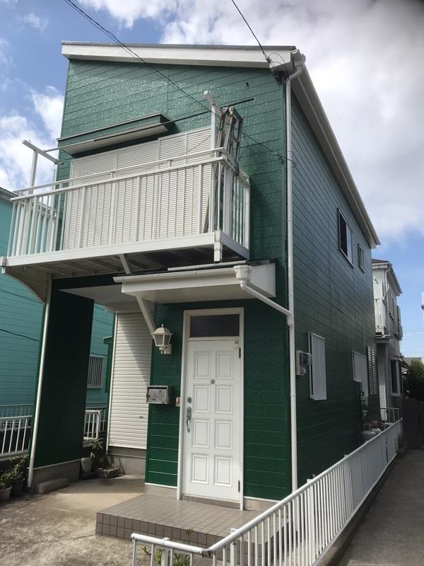 神奈川県三浦郡葉山町 外壁塗装 ローラー工法VS吹き付け工法 外壁のイメージチェンジ